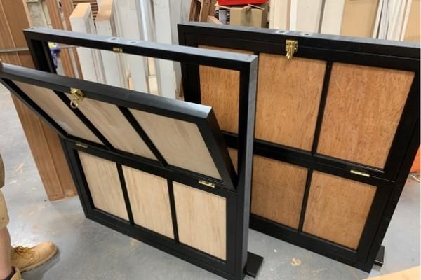 dkrjoinery-black-window-frame